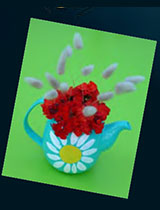 Paint a teapot to make a vase