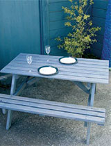 How to revamp an outdoor kitset table