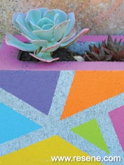 Paint a colourfull block planter