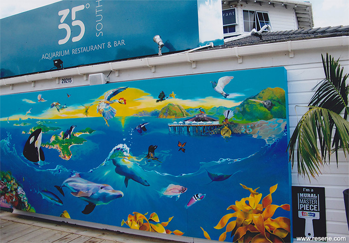 The resene mural masterpieces competition 35 degrees for Aquarium decoratif mural
