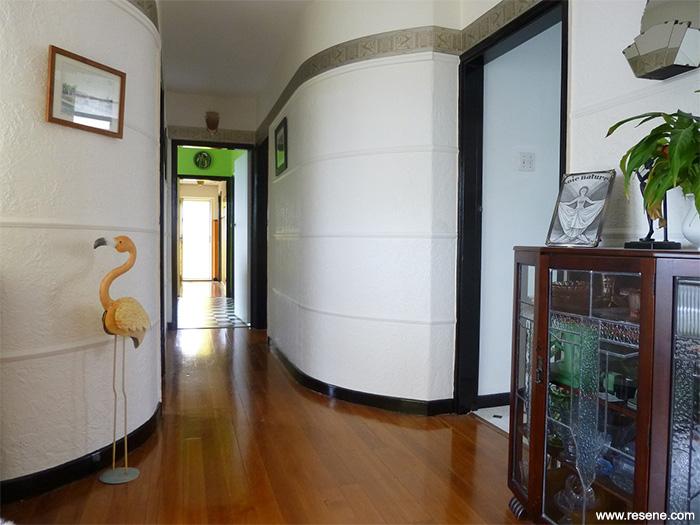 An Art Deco Colour Scheme Inspired By Artist Clarice Cliff