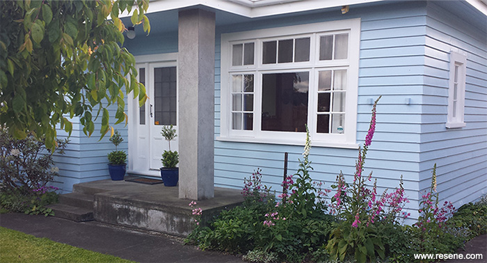 Fresh And Fun Colours Of A Blue Exterior With White Trim