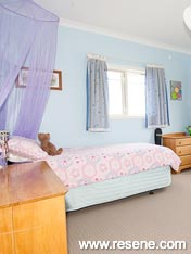Child's bedroom with Resene Biloba Flower