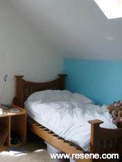 Resene Spray Feature wall girls bedroom 2