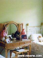 Bedroom of Resene Green Mist