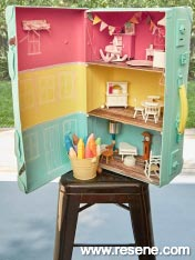 Pack-away doll's house