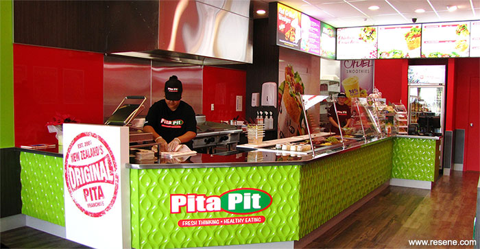Pita Pit uses red and green branding colours