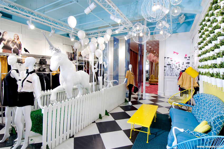 Glassons queen st resene total colour award
